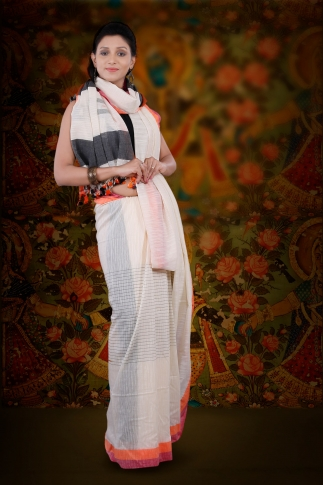 White Hand Woven Pure Cotton Saree Fabricated on Pure Cotton