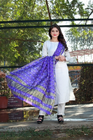 Pretty Violet Dupatta Is Fabricated On Poly Chiffon Silk Beautified With Bandhani Prints
