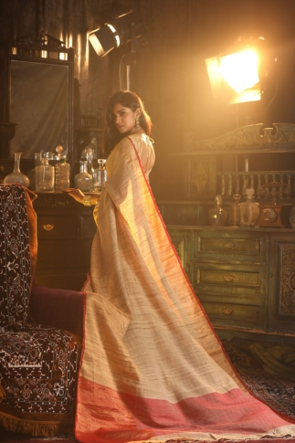 Beige Colour hand Woven Pure Gicha Silk Saree 2