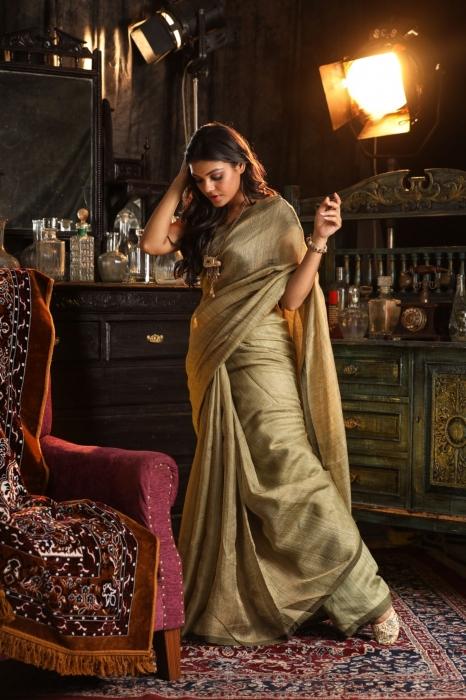 Light Olive Green Handwoven Pure Matka Silk Saree 1