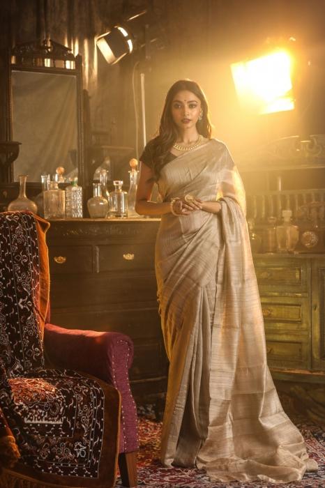 Beige Colour Bengal Handwoven Pure Matka Silk Saree