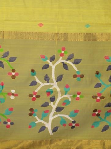 Yellow Silk Cotton Hand Woven Saree with Jamdani work in pallu 2
