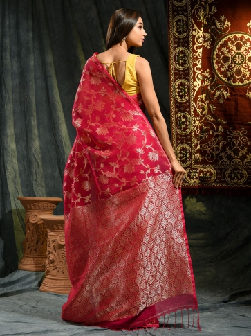 Red hand woven Linen saree with zari work 1