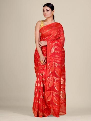 Red and Golden Silk Cotton handwoven soft Jamdani saree with fish motiff in pallu 1