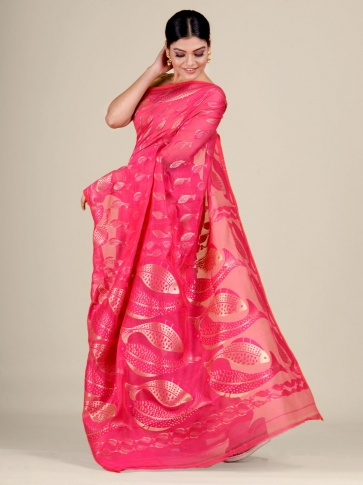 Pink and Golden Silk Cotton handwoven soft Jamdani saree with fish motiff in pallu 2