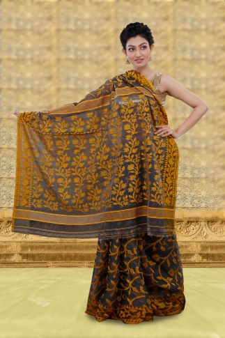 Grey Jamdani Saree With Woven Design 2