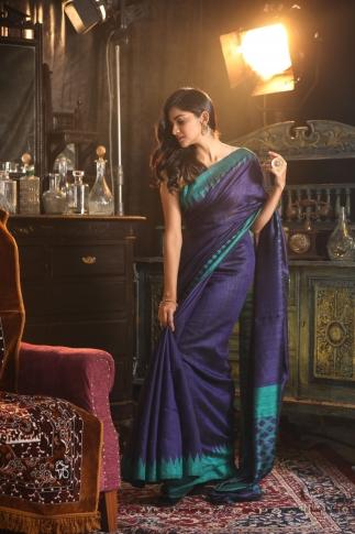 Blue Bengal Hand Woven Matka Silk Saree With Temple Border 1