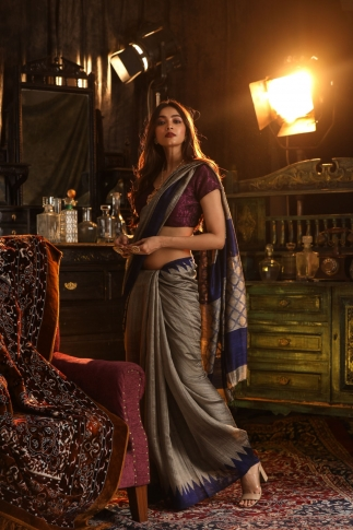Grey and Blue Matka Silk Saree Fabricated on Pure Matka Silk 0