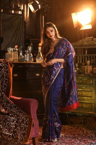 Blue Matka Silk Saree With Zari Work Fabricated on Pure Matka Silk