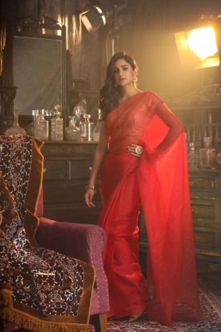 Red Muslin Silk Saree With Zari Work Fabricated on Muslin Silk 1