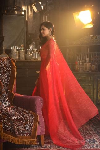 Red Muslin Silk Saree With Zari Work Fabricated on Muslin Silk 2
