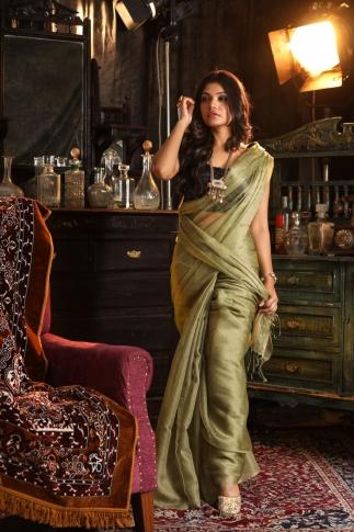 Beige Muslin Silk Saree With Zari Work Fabricated on Muslin Silk