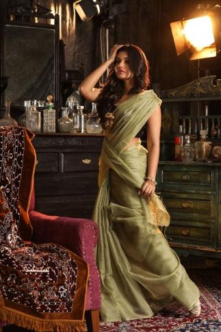 Beige Muslin Silk Saree With Zari Work Fabricated on Muslin Silk 1