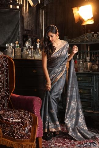 Grey Matka Silk Saree With Zari Work Fabricated on Pure Matka Silk 1