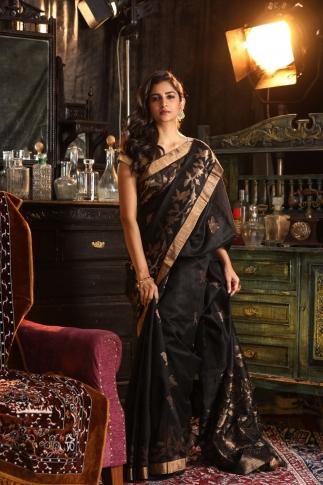 Black Matka Silk Saree With Zari Work Fabricated on Pure Matka Silk 1