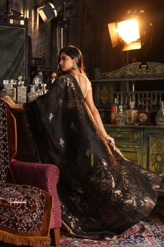 Black Matka Silk Saree With Zari Work Fabricated on Pure Matka Silk 2