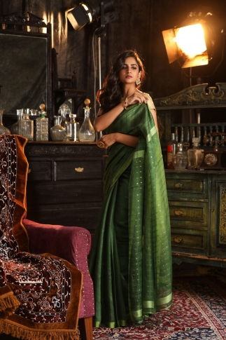 Green Bengal Hand Woven Saree With Sequin 1