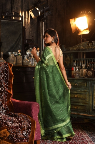 Green Bengal Hand Woven Saree With Sequin 2
