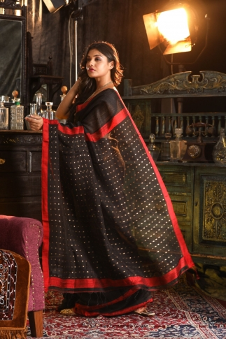 Black Bengal Hand Woven Saree With Sequin 2