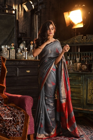 Grey Bengal Hand Woven Saree With Plain Red Border