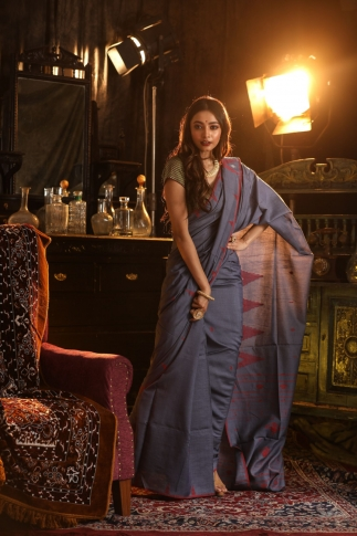 Blue Bengal Hand Woven Saree With Plain Red Border