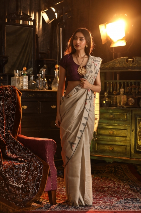 Off White Bengal Hand Woven Saree With Woven Design