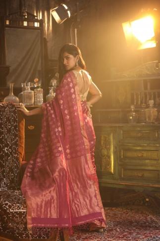 Pink Bengal Hand Woven Saree With Woven Zari Design 2