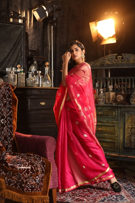 Magenta Blended Matka Silk Saree With Zari Work Fabricated on Matka Silk 1