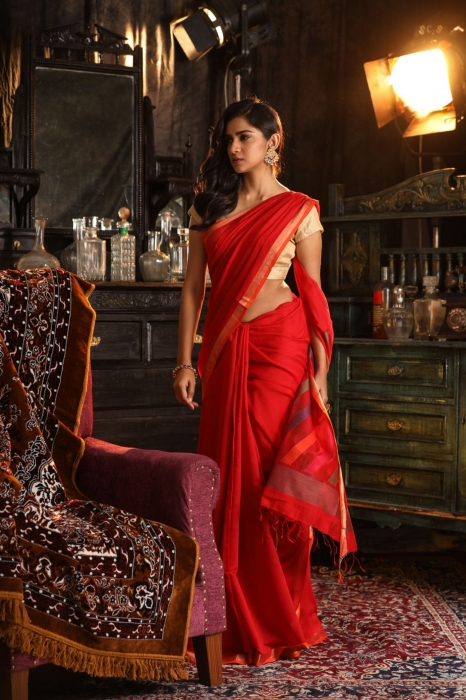 Red Pure Silk Cotton Handwoven Saree 1