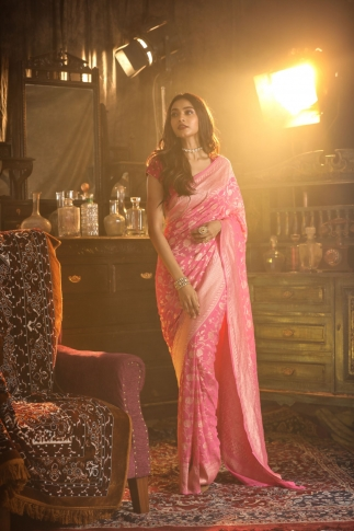Pink Colour Pure Silk Chiffon Saree With Floral Work