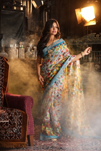 Fine Quality Silk Linen Multicolour Digital Print Saree
