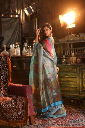 Fine Quality Silk Linen Light Blue With Multicolour Digital Print Saree 2