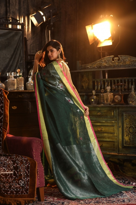 Green designer Hand Woven Linen saree With Blouse fabric 2