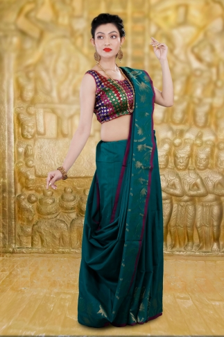 Teal Blue Bengal Hand Woven Saree With Thin Border 2
