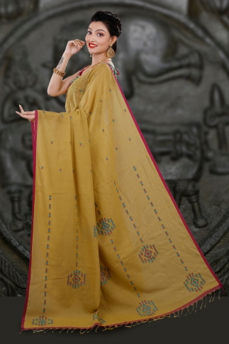 Yellow Bengal Hand Woven Saree With Woven Design 2