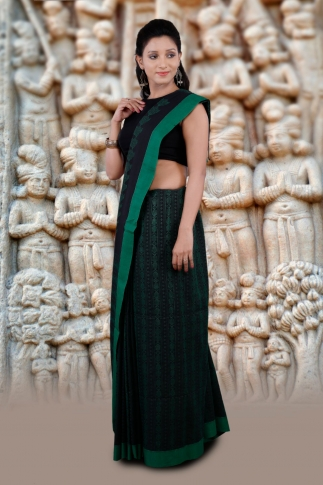 Black And Green Hand Woven Pure Cotton Saree 1