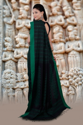 Black And Green Hand Woven Pure Cotton Saree 2
