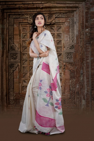 White Bengal Hand Woven Saree With Floral Pallu 1