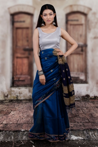 Blue Hand Woven Blended Cotton Saree With Gicha Work