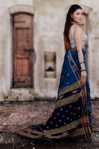 Blue Hand Woven Blended Cotton Saree With Gicha Work 2