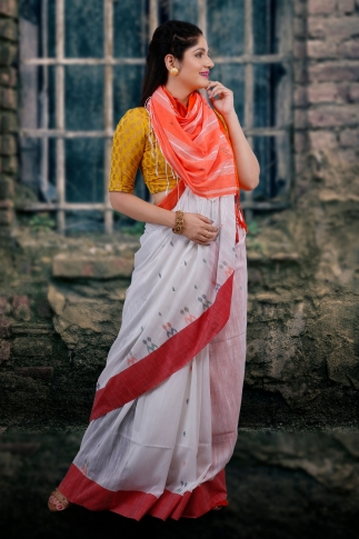 White With Red and Orange Pallu Hand Woven Pure Cotton Saree Fabricated on Pure Cotton