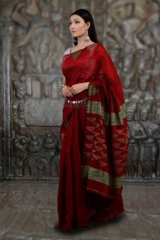 Red Hand Woven Blended Cotton Saree With Ghicha Work