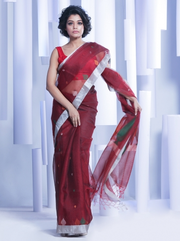 Maroon Hand woven Silk Saree With Woven Pallu