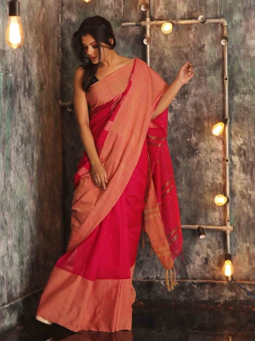 Fuchsia Hand woven Blended Cotton Saree With Broad Border