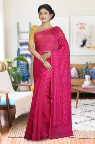Rani Hand Woven Dhakai Jamdani saree without Blouse