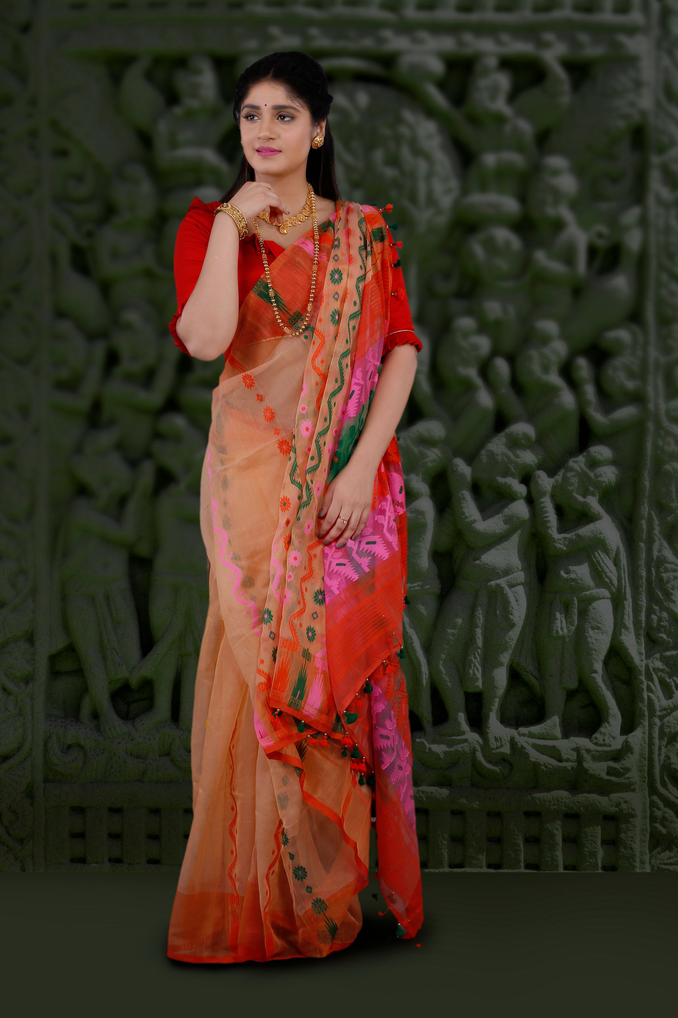 Peach Hand Woven Blended Cotton Jamdani Saree With Multi Colour Motive