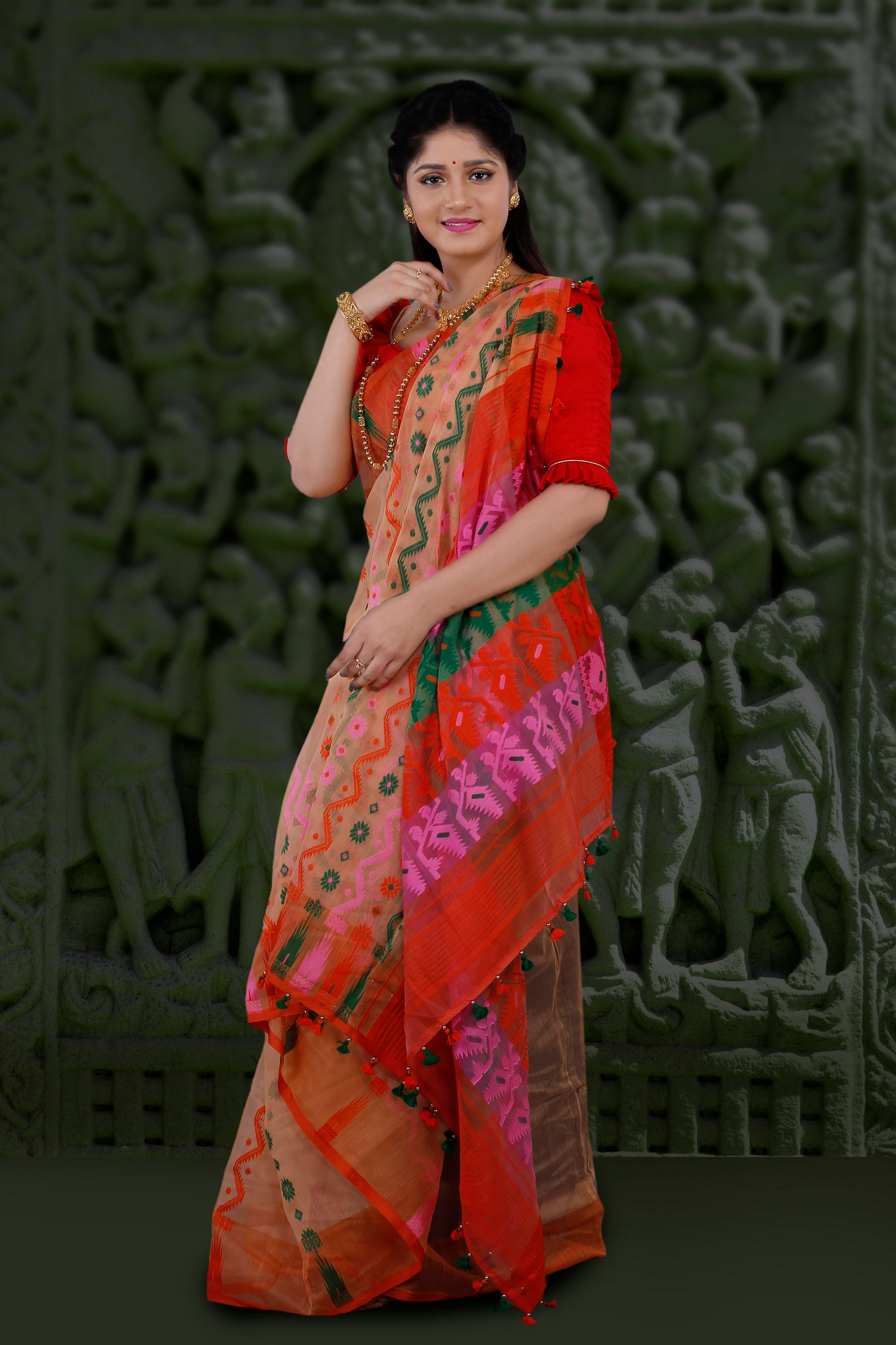 Peach Hand Woven Blended Cotton Jamdani Saree With Multi Colour Motive 1