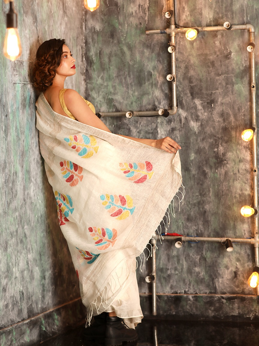 White Hand woven Linen Saree With Zamdani Weave 1