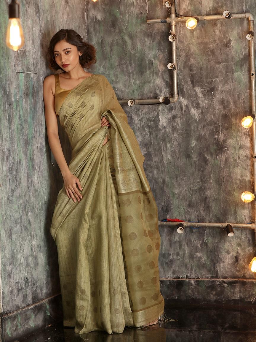 Pickle Green Hand woven Matka Silk Saree With Zari Butta 0