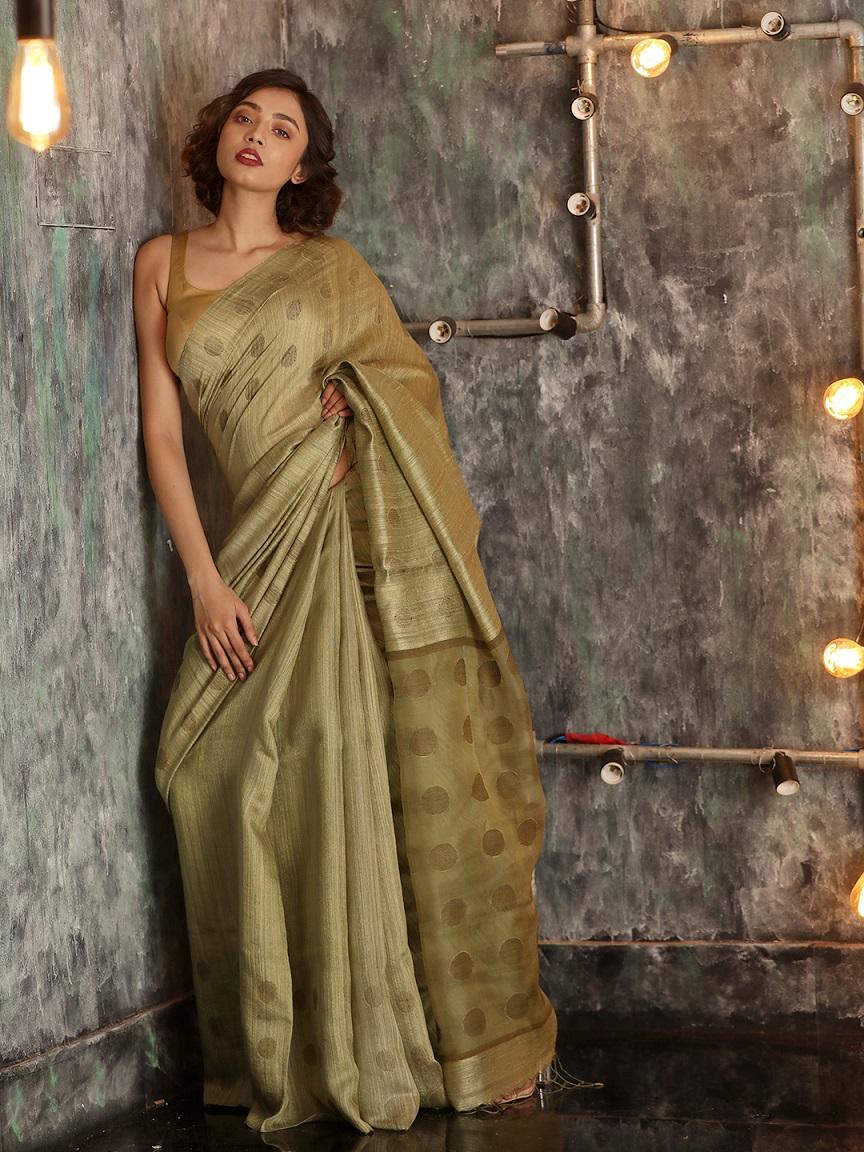 Pickle Green Hand woven Matka Silk Saree With Zari Butta